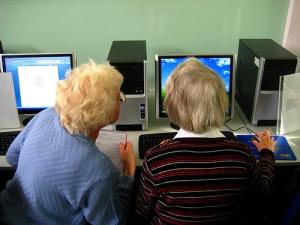 Cyber seniros chiifres clés marché des seniors en France